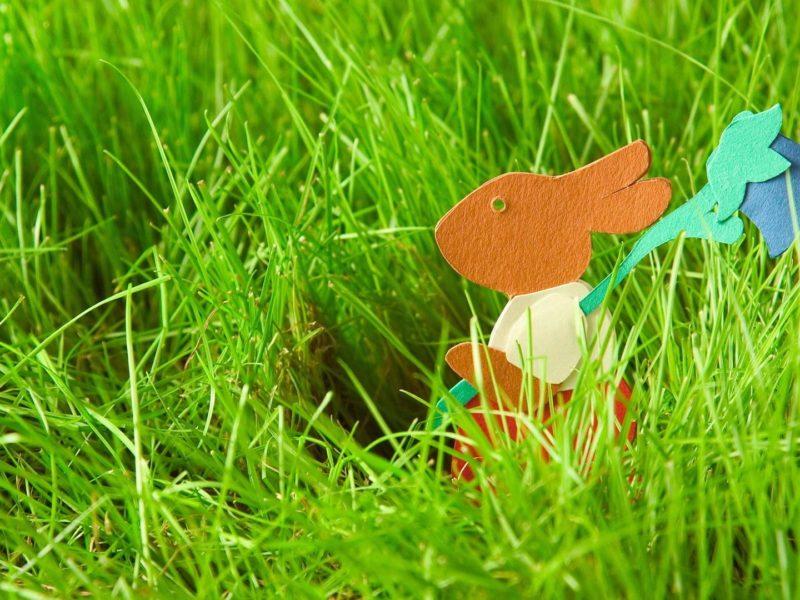 Бумажный пасхальный заяц