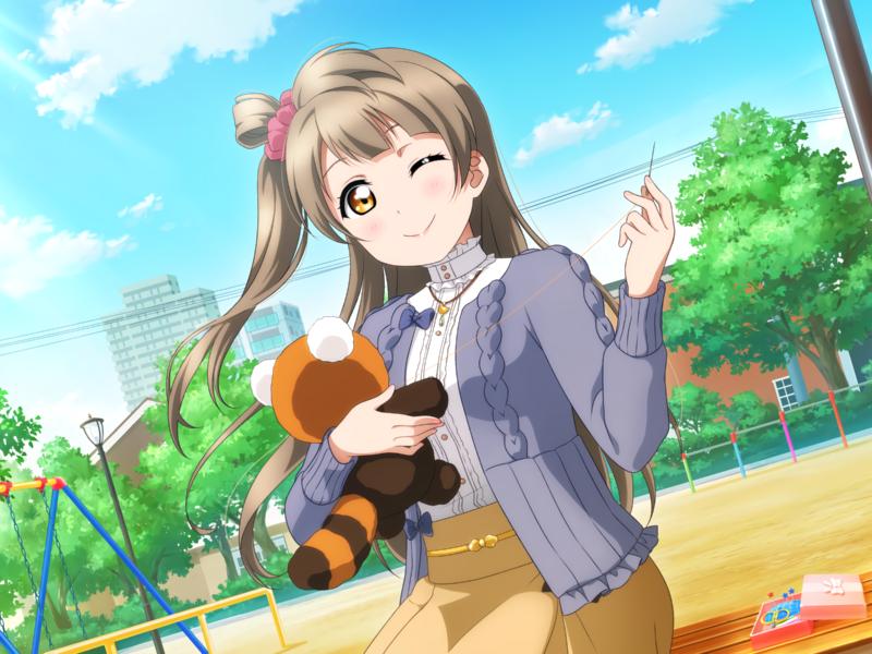 Девушка аниме шьет игрушку на лавке