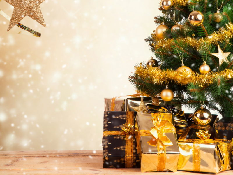 Обои обои, мишура, елка, new year, праздник, Новый год, игрушки