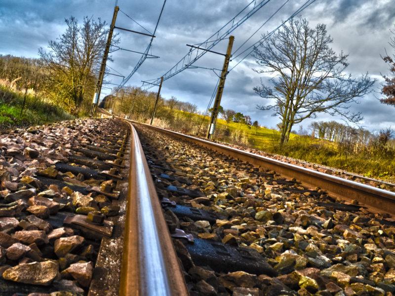 Обои Камни, железная дорога, тучи, рельсы, деревья