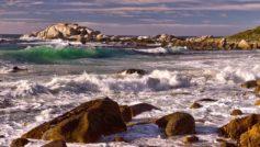 Обои Скалы, камни, море, волны, пена, берег на рабочий стол.