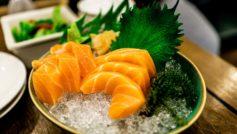 Обои сашими, лосось, икра, зелень, япония на рабочий стол.