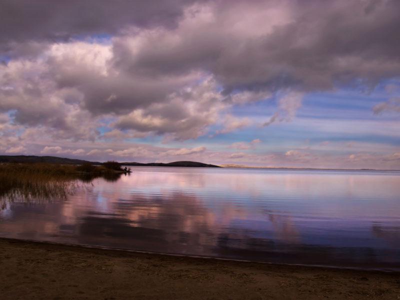 Обои берег, облака, тишина для рабочего стола