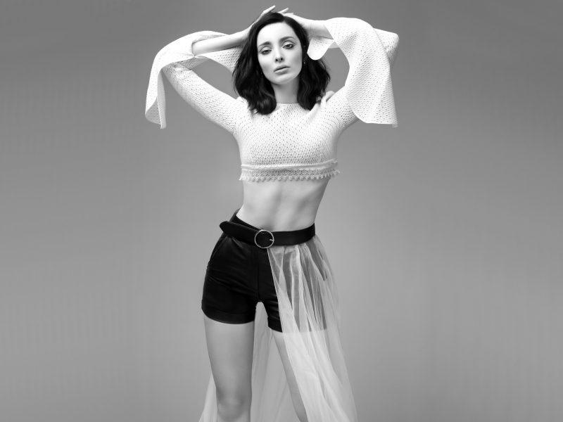 Обои Emma Dumont, actress, model на рабочий стол.